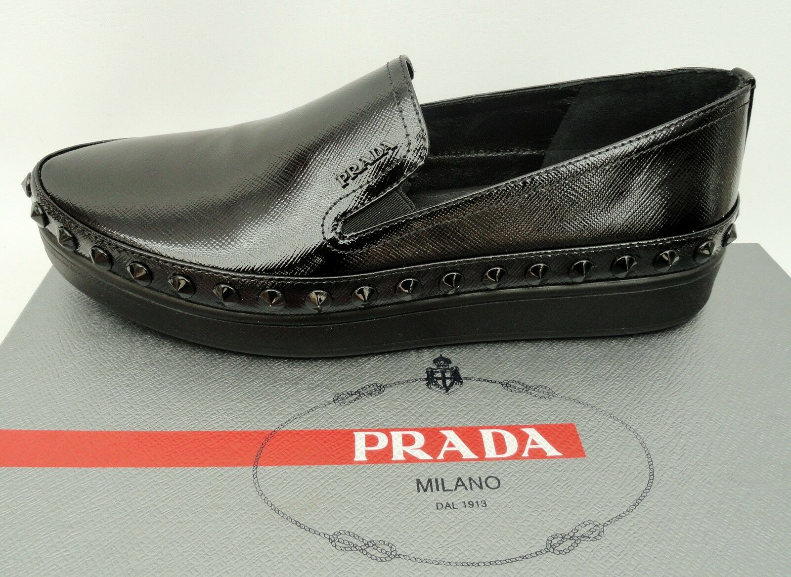 PRADA noires noires noires cloutées Mocassins baskets Flats Chaussures UK3 EU36 Neuf Baskets 0ad9f5