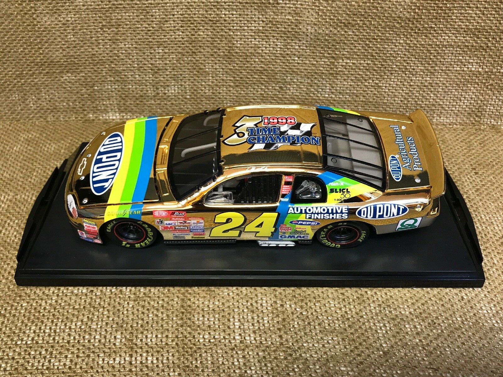 Action 1999 NASCAR Dupont 24kt. gold 3x Champ Jeff Gordon Chevy Monte Carlo