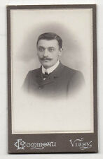 PHOTO - CDV - Homme Moustaches - L. Commeau à Vichy - Vers 1900. Vintage.