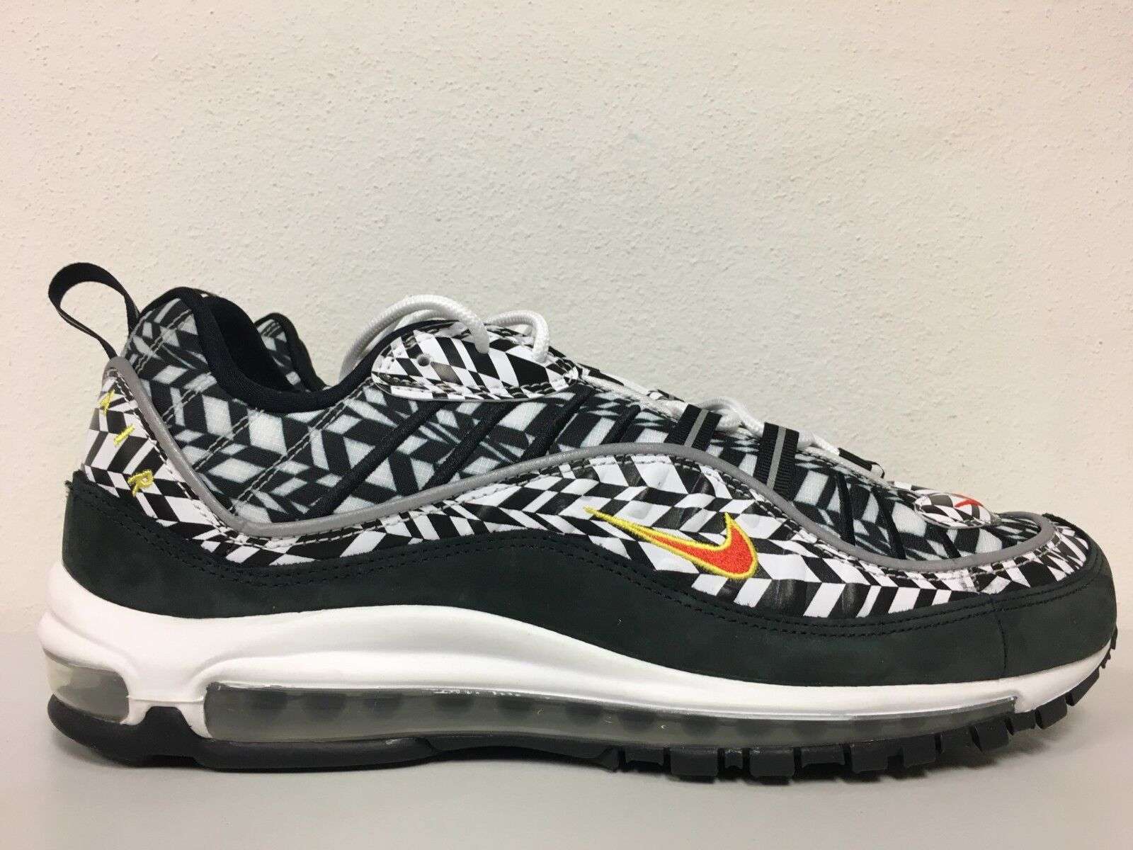 6d41b8a5396192 Nike Air Max 98 AOP AOP AOP White Team orange Black AQ4130 100 Mens Size 8  ...