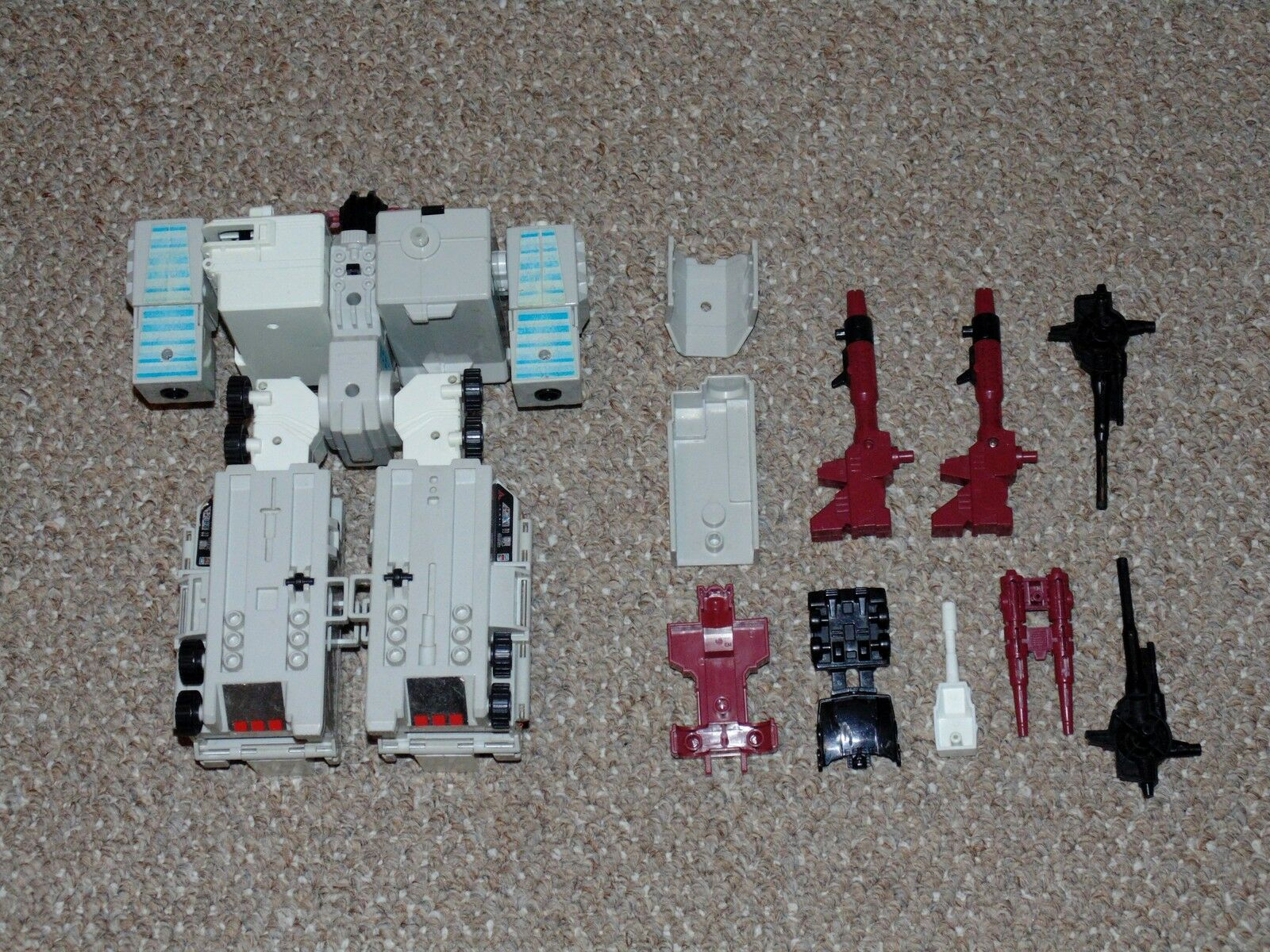 1980s Hasbro G1 Transformers Metroplex with Some Accessories Autobot Autobot Autobot City 8f4227