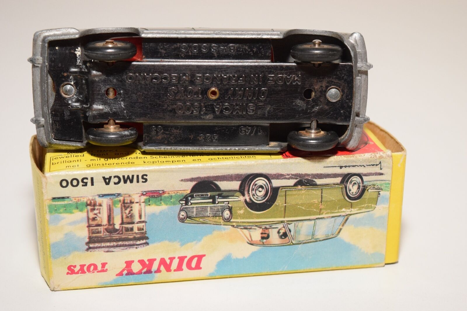 F DINKY TOYS 523 SIMCA 1500 SALOON METALLIC GREY EXCELLENT EXCELLENT EXCELLENT BOXED 125fe1