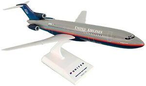 Skymarks SKR250 United Airlines Boeing 727-200 Desk Display Model 1/150 Airplane