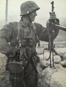 Image result for ww2 german soldiers with mp40