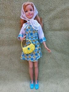 BARBIE-DOLL-SISTER-STACIE-WEARING-BLUE-DRESS-CLOTHES-DOLL-HOLDING-A-PURSE