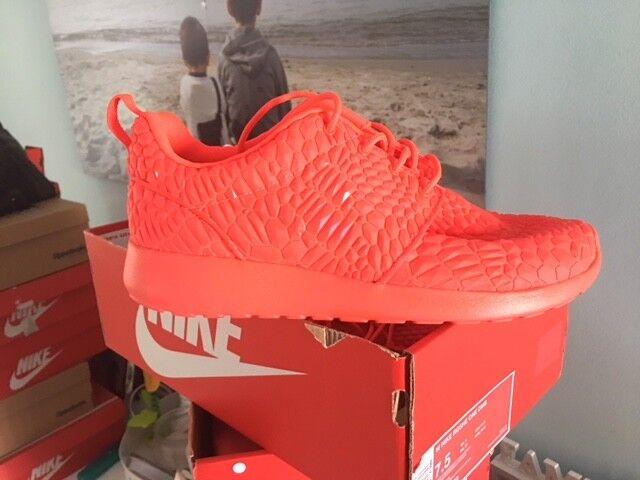 damen Nike Roshe One DMB Rot rot  Neu Gr 38,5 Presto Moire Turnschuhe 807460-600