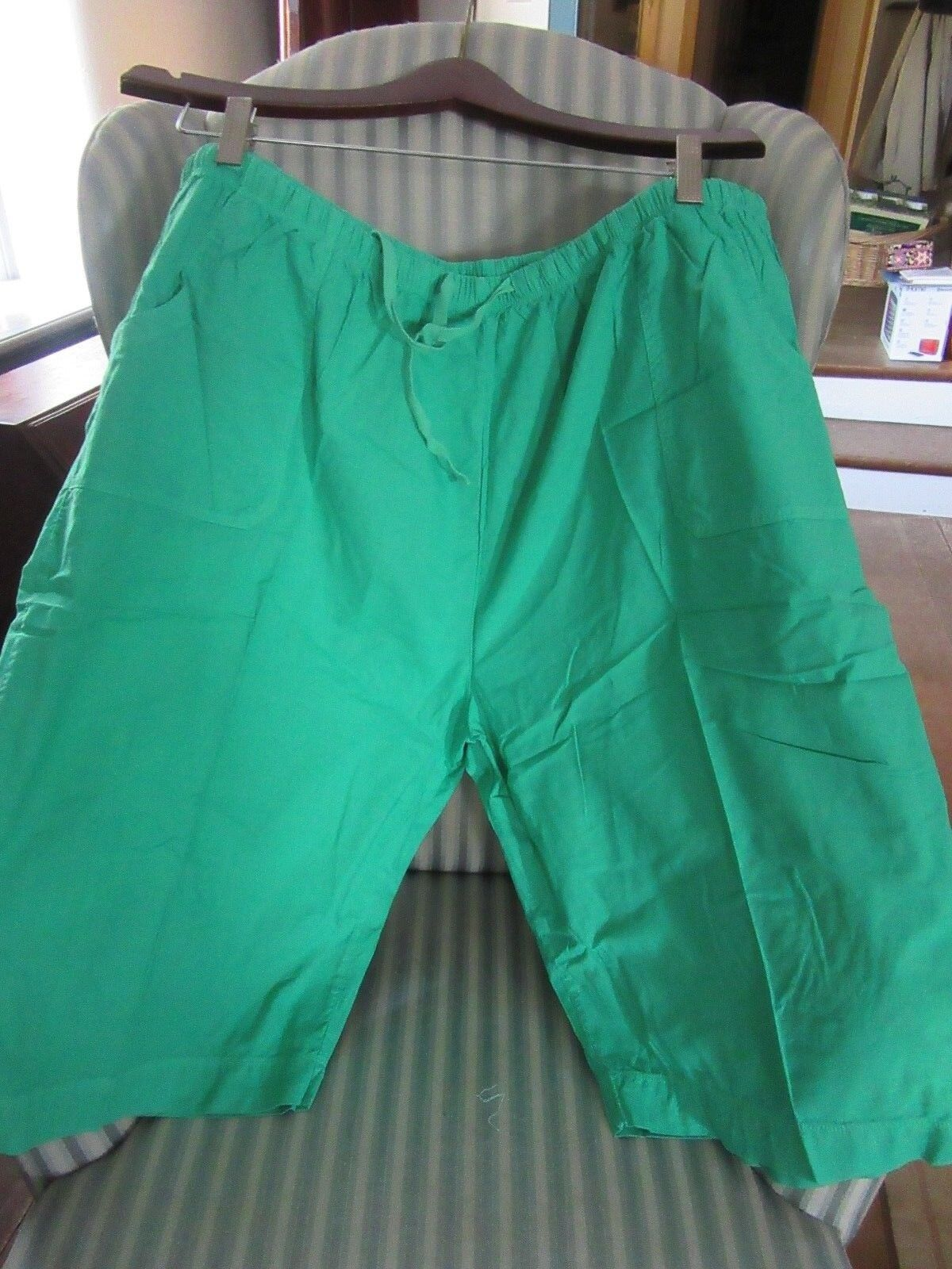 NWT FRESH PRODUCE COTTON.  PARK AVENUE  PETAL PUSHER ON SPRING GREEN.. (3X)