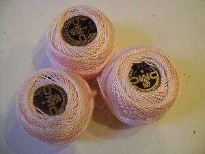 3-boules-coton-perle-DMC-grosseur-N-5-coloris-N-819-article-116