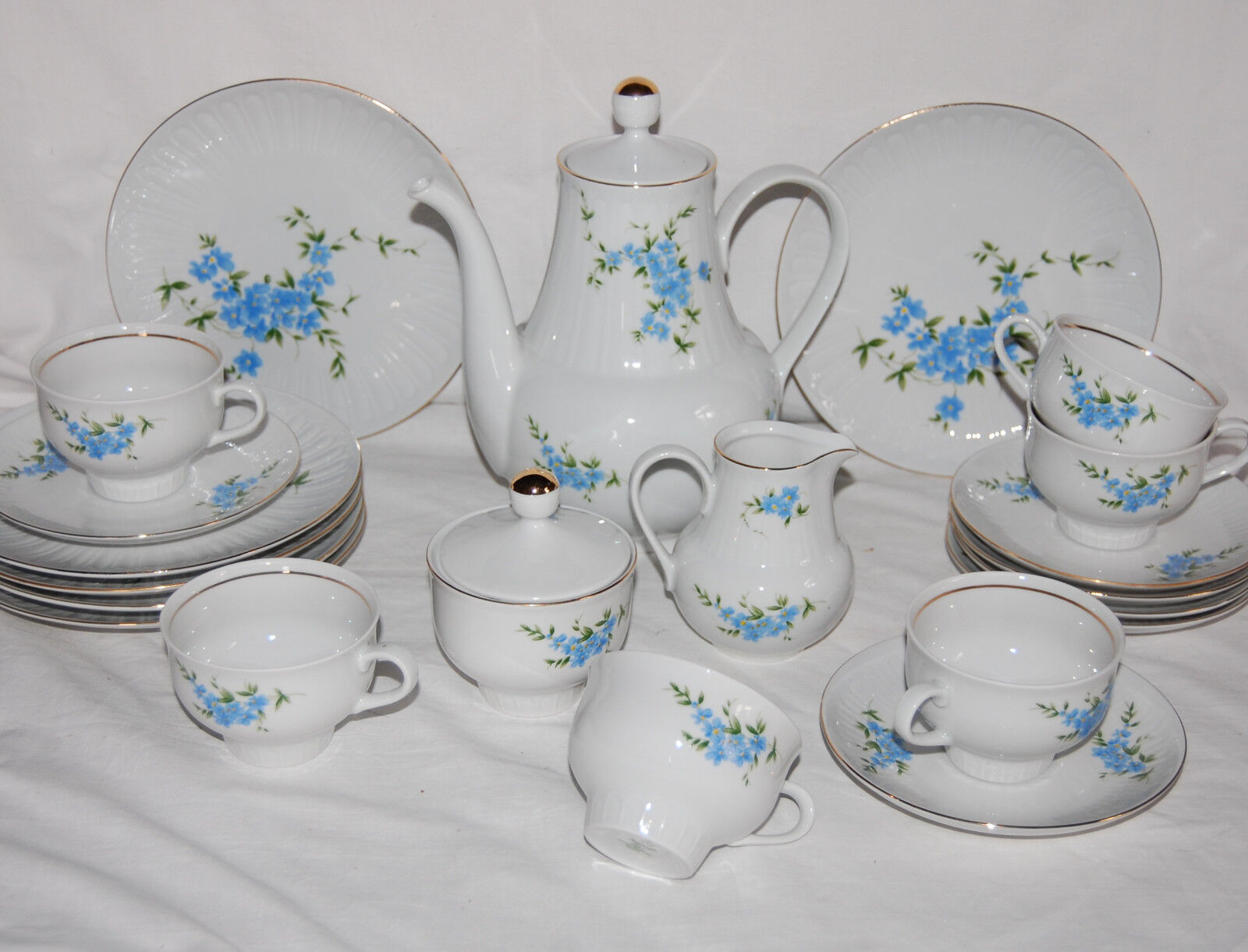 Sehr schönes Kaffeeservice mit blauen Blaumen Henneberg Porzellan Ilmenau Service Service Service | Stilvoll und lustig  617835