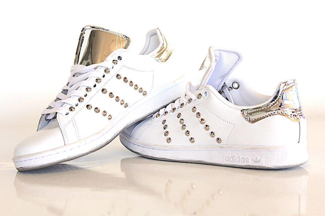 scarpe adidas con stan smith  con adidas specchiato e borchie a89ae4