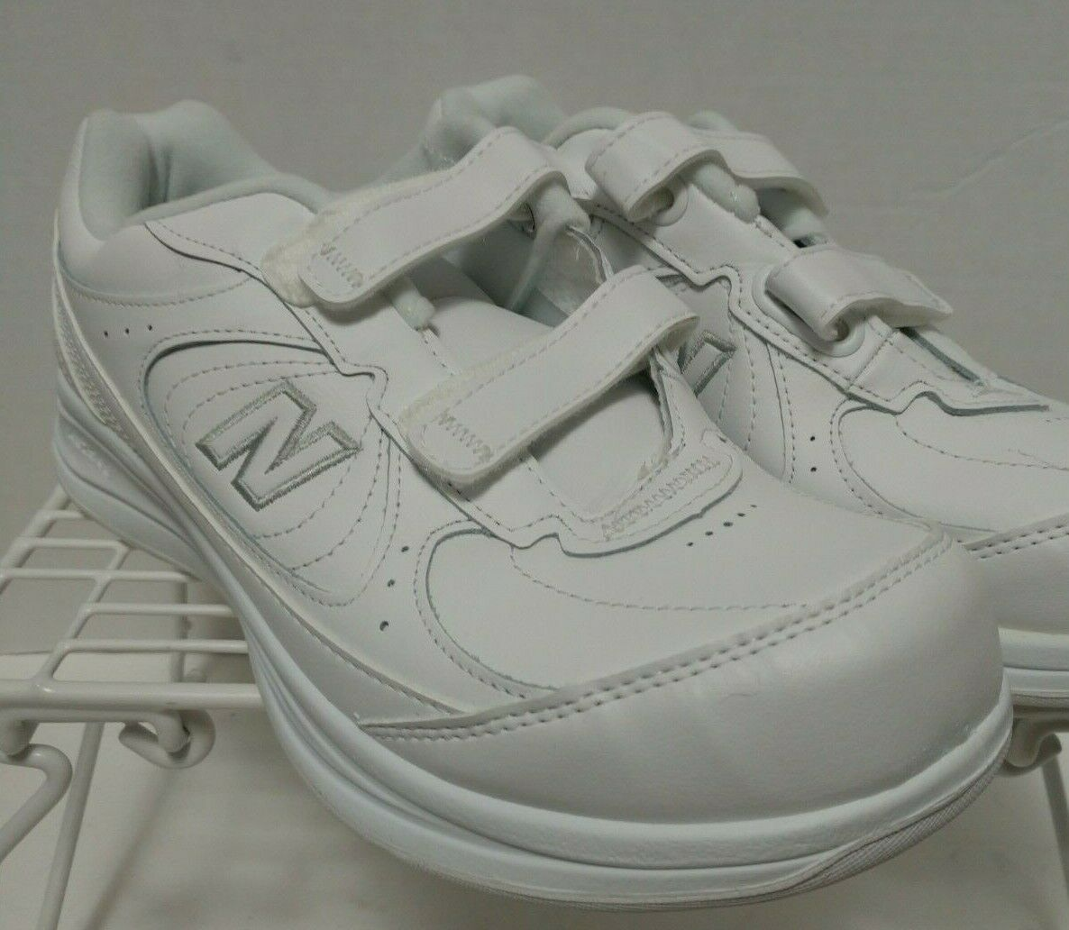 New Balance Women's 8.5 DSL-2 577 Walking Shoes 100% Authentic New With Tags