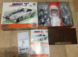 1-18-Jaguar-E-Type-cabriolet-Bianco-1-18-Diecast-Classic-RACE-CAR-KIT-in-scatola
