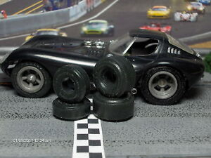1-32-URETHANE-SLOT-CAR-TIRES-2pr-fit-Cox-Cheetah