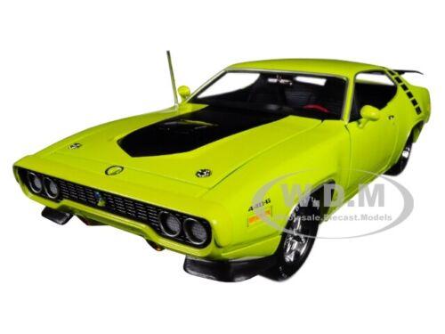 1971 PLYMOUTH ROAD RUNNER HARDTOP CITRON YELLOW  LTD ED 1/18 AUTOWORLD AMM1158