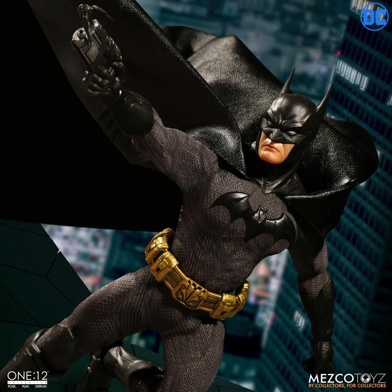 Mezco Toyz Dc Comics One  12 Batman Sovereign Knight 6   Figurine WC76960