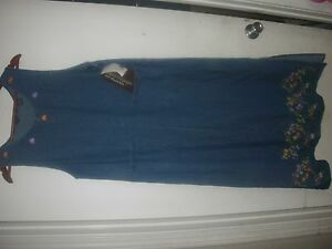 NWT Agapo BLUE JEAN LONG DENIM Floral Embroidered SLEEVELESS DRESS Size S (B138)
