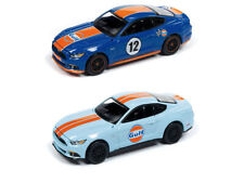 Auto World 2017 Ford Mustang Premium Gulf 2019 Modern Muscle Rel 3 vs B