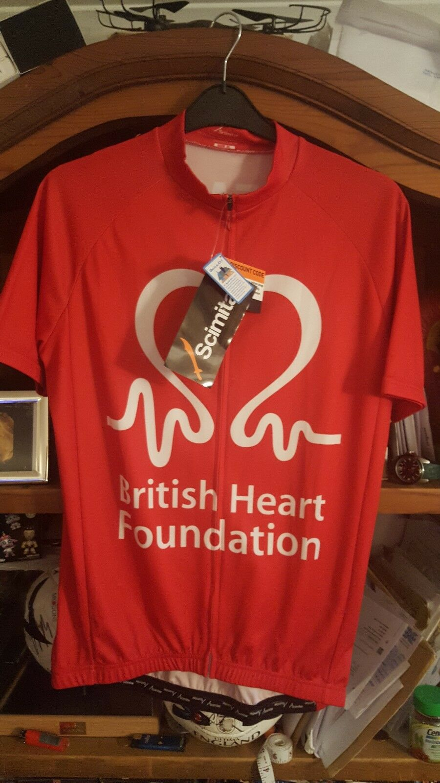 Jersey Size XL New With Tags .PRO TEAM  BRITISH HEART FOUNDATION RIDERS TEAM