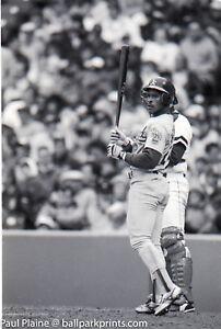 5-Original-35MM-B-amp-W-Negative-Classic-Batting-Style-Rickey-Henderson-04-29-1990