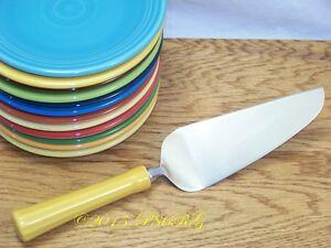 Fiesta-MARIGOLD-Post-86-Ceramic-Handle-Cake-Knife-Discontinued-Item