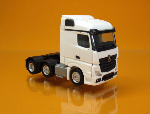 Herpa 305174 003 MERCEDES BENZ ACTROS STREAMSPACE 6 x 2 Trattore Bianco 1 87