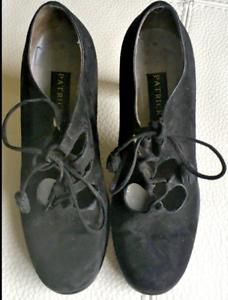 Détails sur Chaussures daim noir Patrick Cox ajourées en haut + ressemelage neuf
