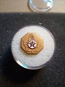 Vintage Texaco Canada 20 Year 10k Service Award Pin. 2.7 grams