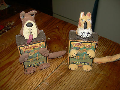 Primitive Set/2 Dog & Cat Pets Tizzy Tin Spice
