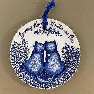 Loving-Hearts-Unite-as-One-6-034-Cat-Plate-Blue-amp-White-Royal-Crownford-England