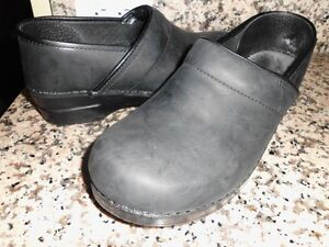DANSKO-PROFESSIONAL-BLACK-NUBUCK-LEATHER-CLOGS-SIZE-41-us-9-5-10-SHOE200