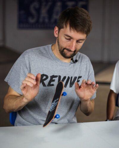 """Revive Skateboards mano Board mano Skate//Sam Tabor MINI SKATE mano Board 11/"""" Deck"""