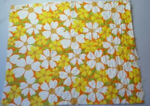 Vintage-1960s-Retro-Flower-Power-Print-Mod-Fabric-Mid-Century-Cloth-1970s-43X34