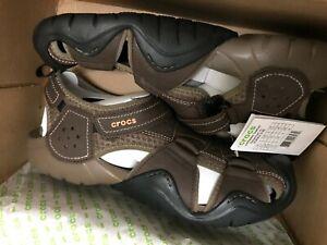 Walnut Rugged Sandals Shoes Men/'s Crocs SWIFTWATER Leather Fisherman Espresso
