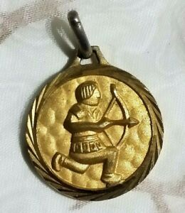 MEDAILLE DU ZODIAQUE SAGITAIRE VINTAGE 70 PLAQUE OR NEUF//NEW GOLD PLATED ZODIAC