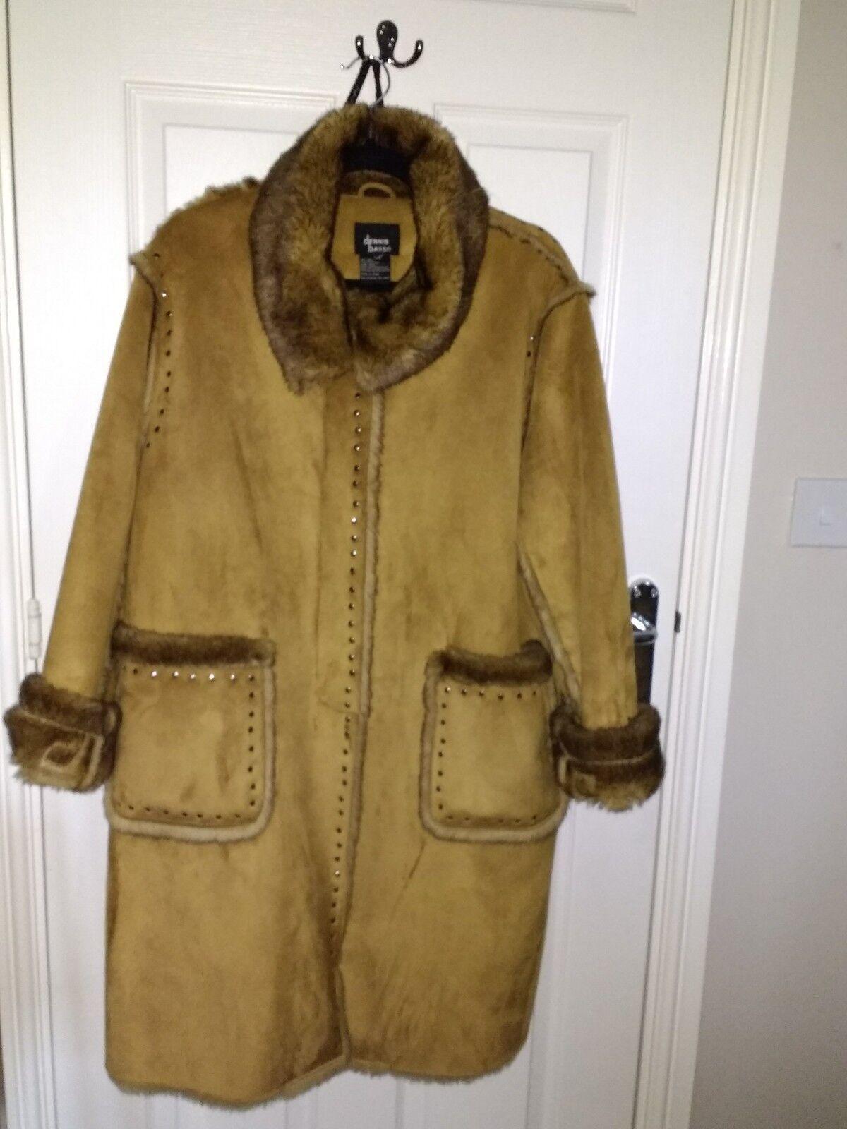 Beautifil Warm Dennis Basso Coat Large