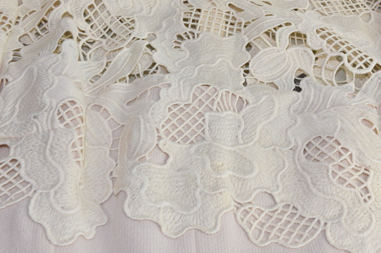 1595 NEW NEW NEW Lela pink Leaf Guipure Lace Placed Fitted Dress Petal 2 4 6 8 10 12 14 8662c6