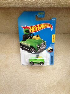 Hot-Wheels-Pedal-Driver-Green-HW-Ride-Ons-Diecast-Car