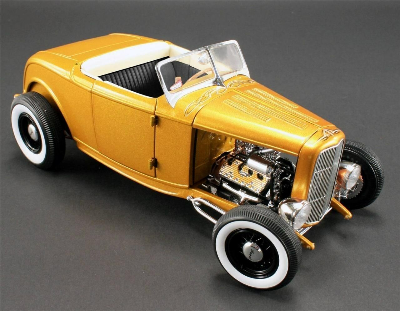 1932 FORD GRAND NATIONAL DEUCE ACME ROADSTER GMP RELEASE   2 DIECAST CAR 1 18