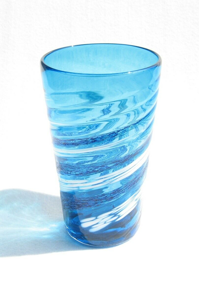 Cobalt Glass Tumbler  Blau Ocean & Swirling Weiß Bubbles (Handmade in Okinawa)