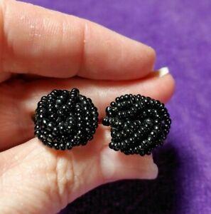 Save 15/% Vtg black  cream screwback earrings