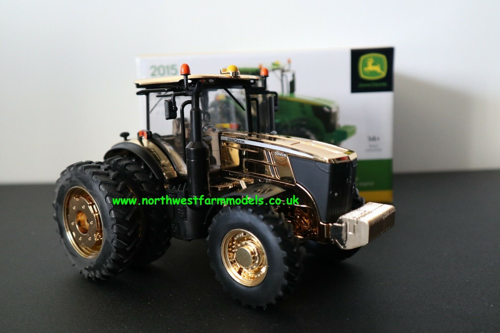 ERTL BRITAINS FARM 1 32 SCALE JOHN DEERE 7290R FARM SHOW EDITION gold CHROME