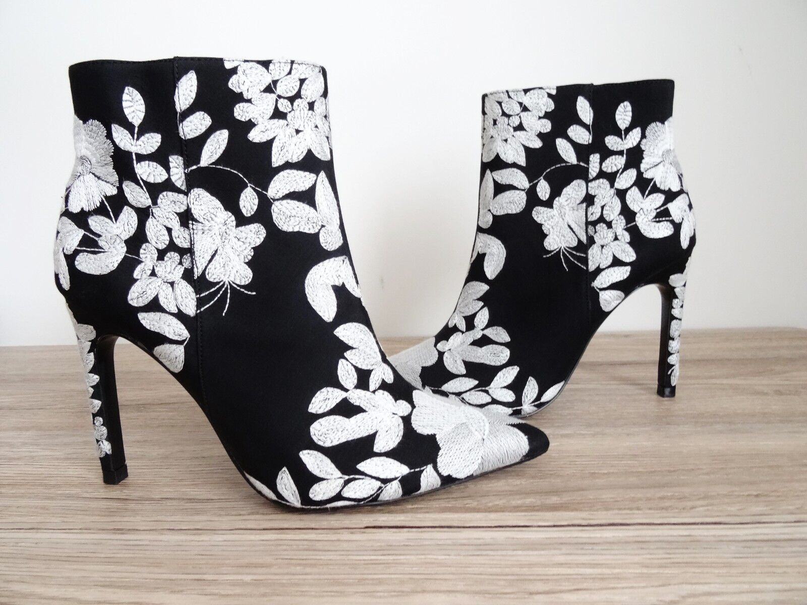 ZARA BLACK EMBROIDEROT HIGH HEEL ANKLE BOOTS SIZE UK 5 EU 38 USA 7,5