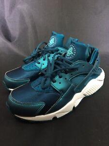 Nike Air Huarache Run SE 859429 901 Metallic Sea Midnight Turquoise ... 2af2197a82fb
