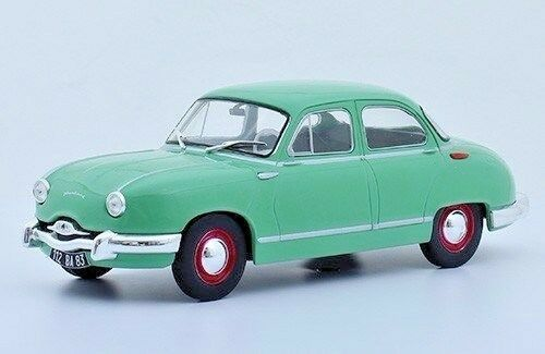 Panhard Dyna Z 1954   1 24  New & Box Diecast model Car