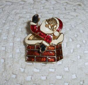 Vintage-Santa-Claus-in-Chimney-Christmas-Trembler-Brooch-Pin-Gold-tone-C129