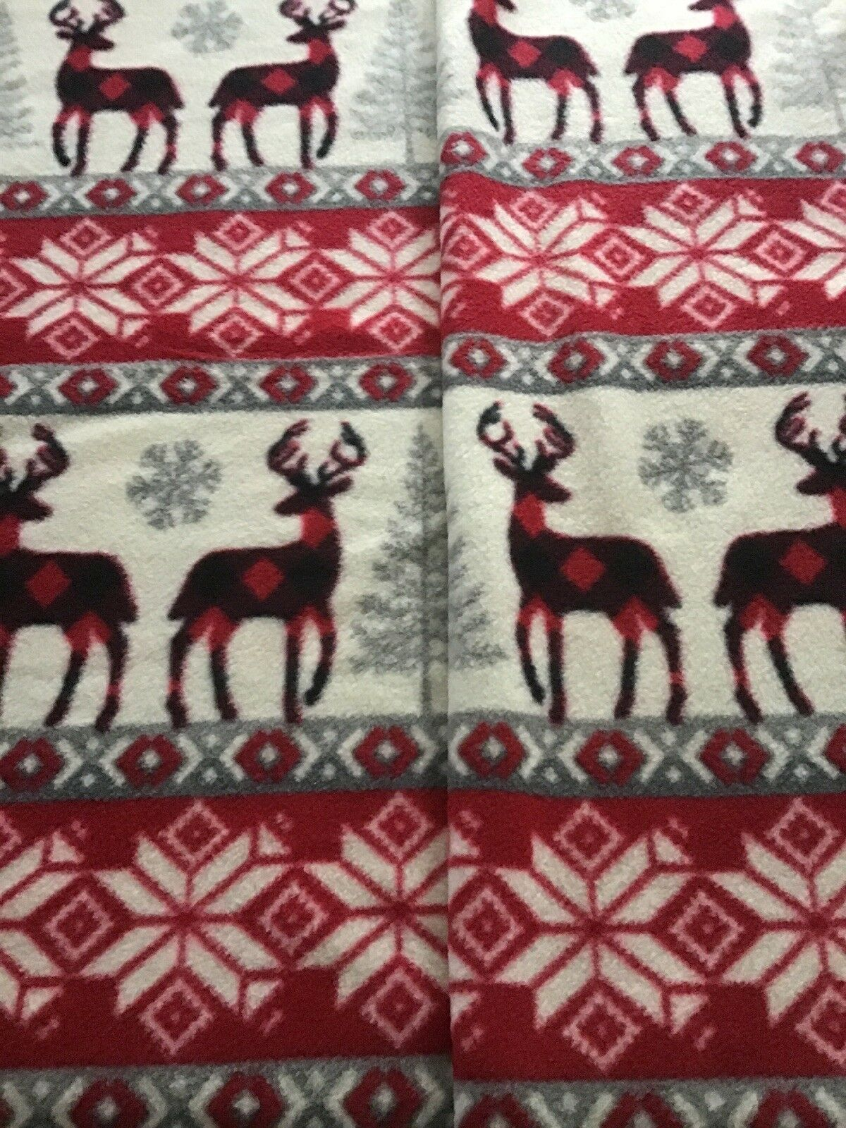 No Sew Fleece With Holiday Nordic Theme Reverses To Red Buffalo Plaid XL