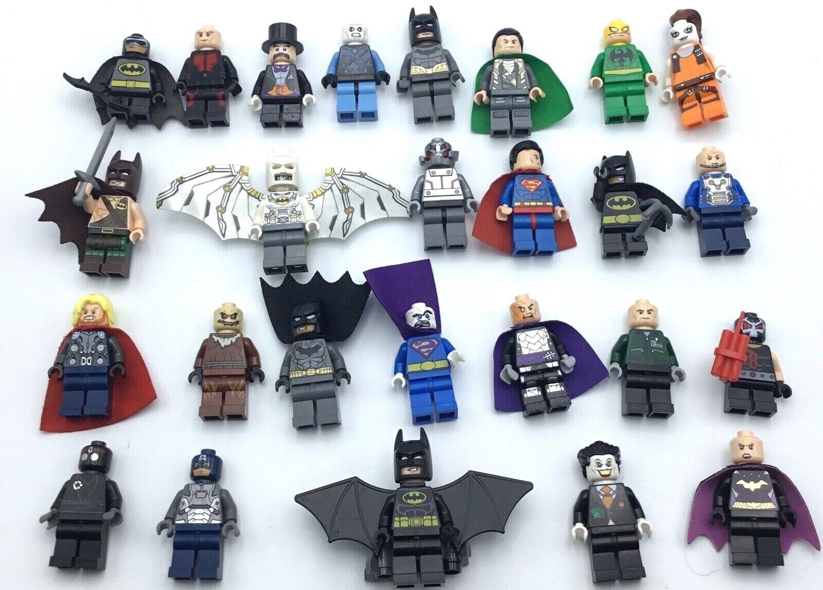 Lego, 29 súperhéroes, los pequeños Batman, el milagro.
