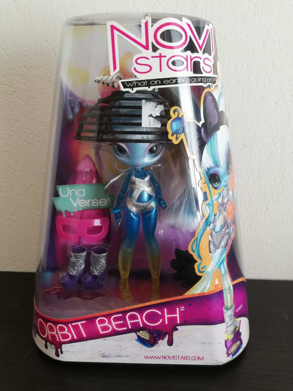 Novi Stars Una Verse Orbit Beach MGA Entertainment Hard to Find NEW
