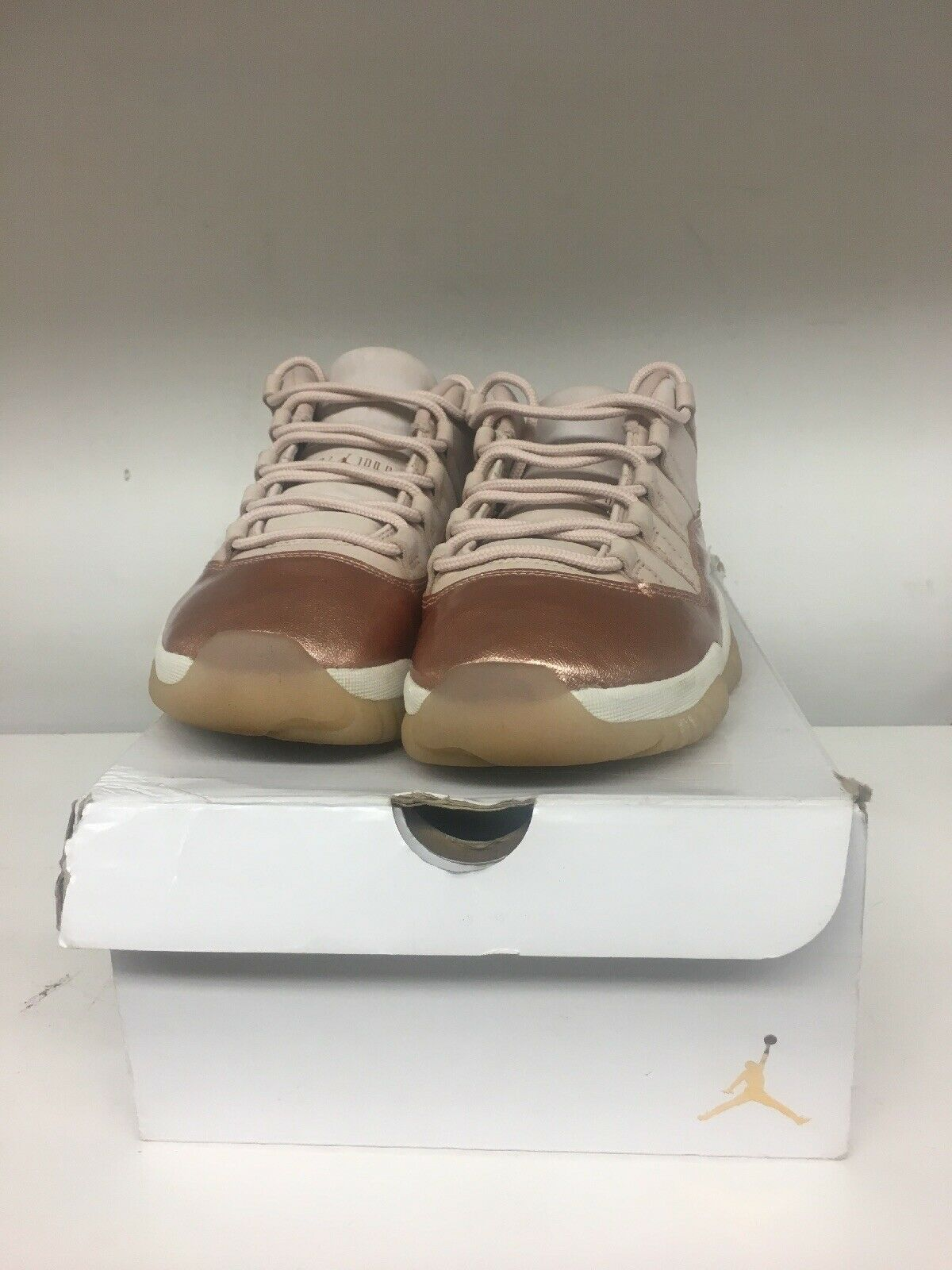 Wmns Air Jordan Retro 11 Low pink gold Bronze Size 9 (AH7860-105 )