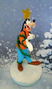 Hallmark-Disney-Christmas-Carolers-Gleeful-Goofy-With-Music-Light-amp-Motion